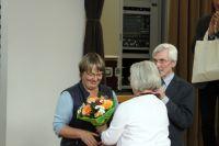 52-Blumen-fuer-die-Sprecherin-P-Estel